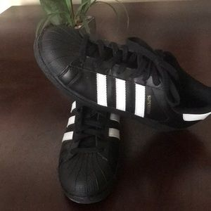 Adidas shoes 8 1/2 black and superstar